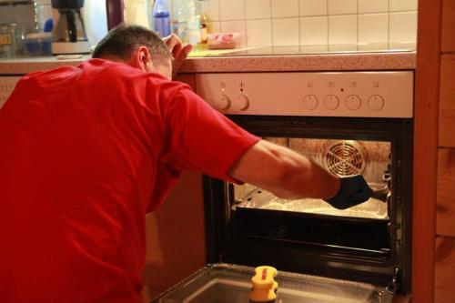 Curatare plita si cuptor electric
